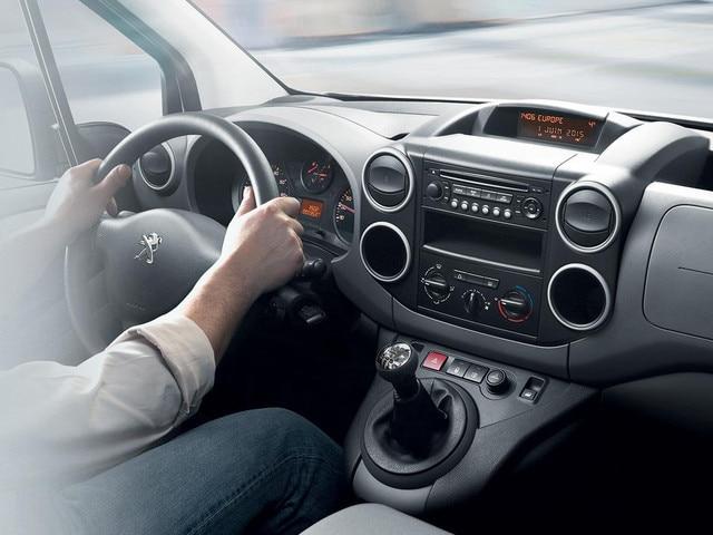 PEUGEOT Partner: Comodità al posto di guida