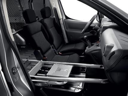 PEUGEOT Partner: Sedile passeggero reclinabile