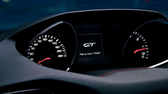 NOUOVA PEUGEOT 308 GT – Quadro strumenti con messaggio di benvenuto GT